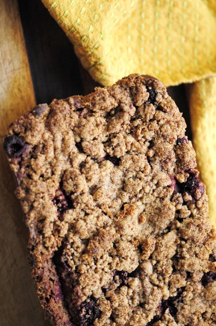 Raspberry Sour Cream Coffee Cake Loaf w/ Cinnamon Crumble Topping (Gluten Free) #easy #coffeecake #loaf #bread #sweet #dessert #raspberry #glutenfree #sourcream #cinnamon