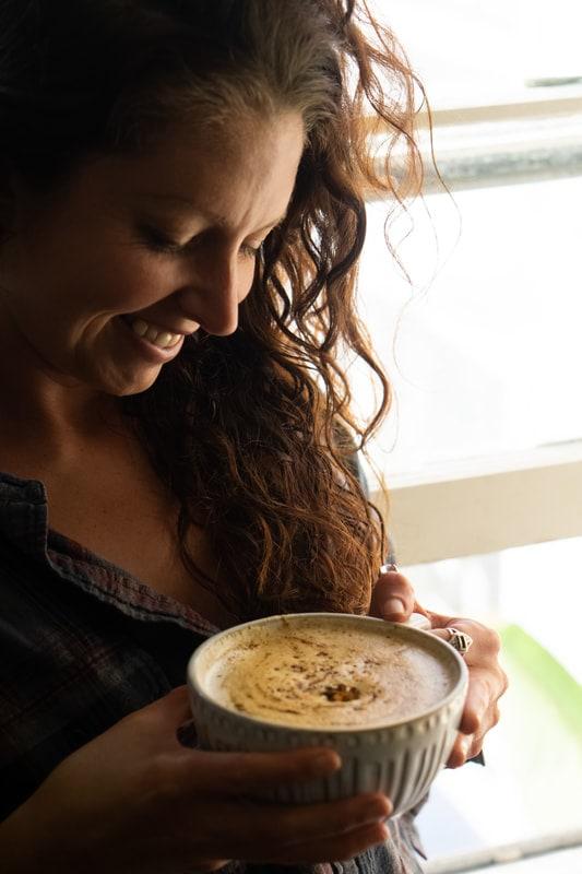 Food Talk Series 03: An Interview with Stephanie of My Tiny Laguna Kitchen - An interview with food blogger Stephanie Mary of the food blog My Tiny Laguna Kitchen. | moonandspoonandyum.com #interview #blog #foodblog #recipes #blogger #foodblogger #mytinylagunakitchen #stephaniemary