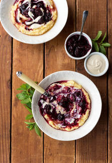 CREAMY BERRY-FULL POLENTA