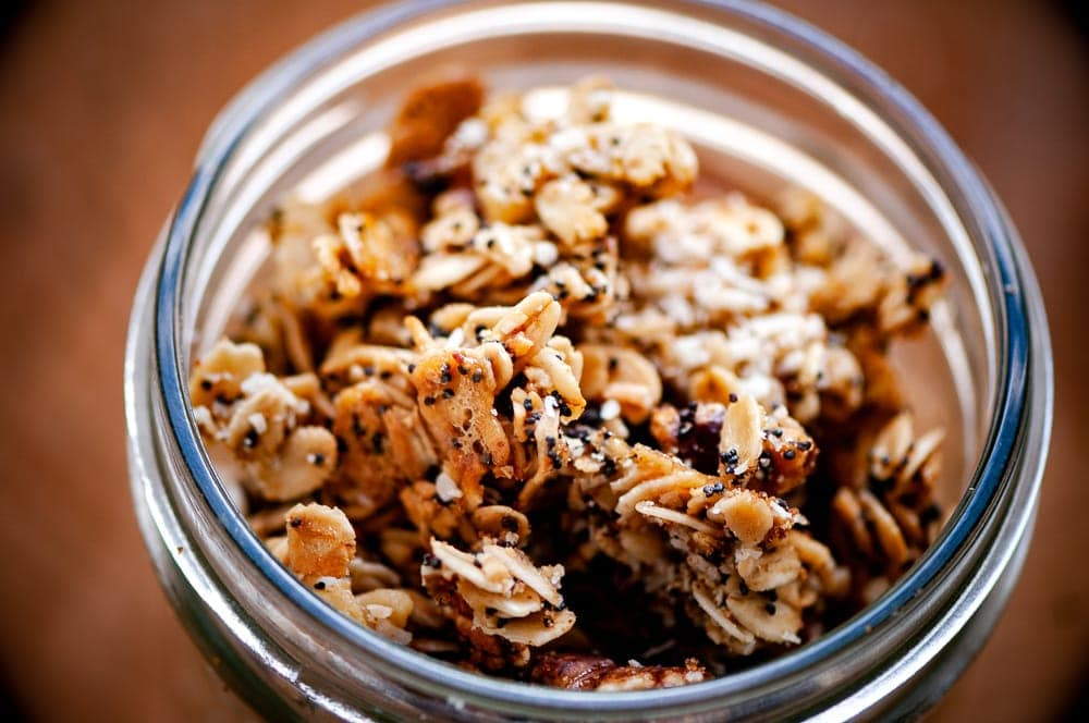 lemon poppy seed granola in a canning jar