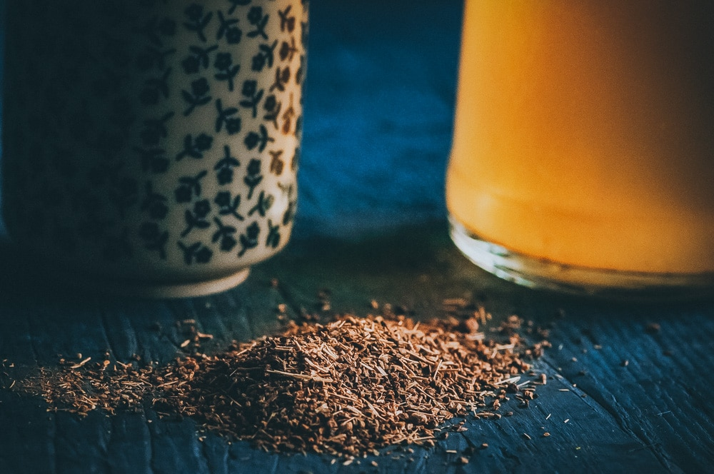Easy + Healthy Adaptogenic Water Kefir made with Rasa Koffee! This earthy water kefir is filled with the mood, immunity and energy boosting health benefits of adaptogens paired with the gut healing probiotics power of kefir! #waterkefir #adaptogens #adaptogenic #rasakoffee
