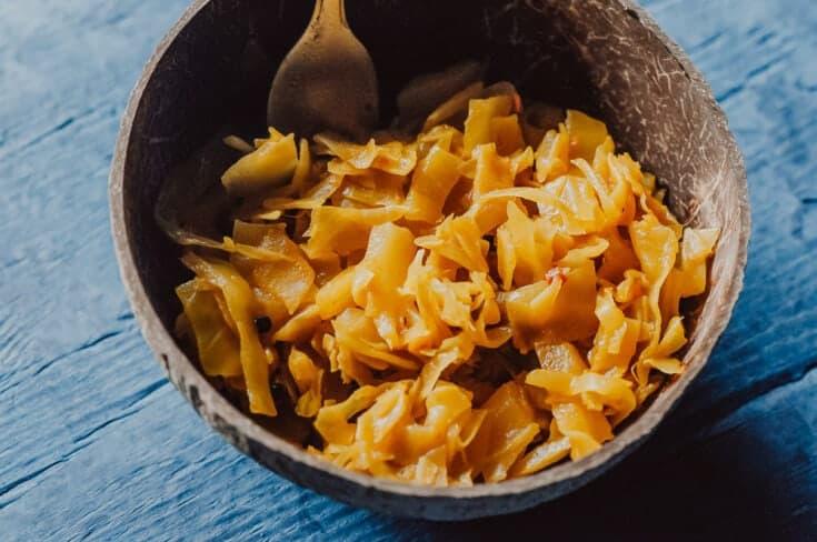 Easy Spicy Golden Sauerkraut