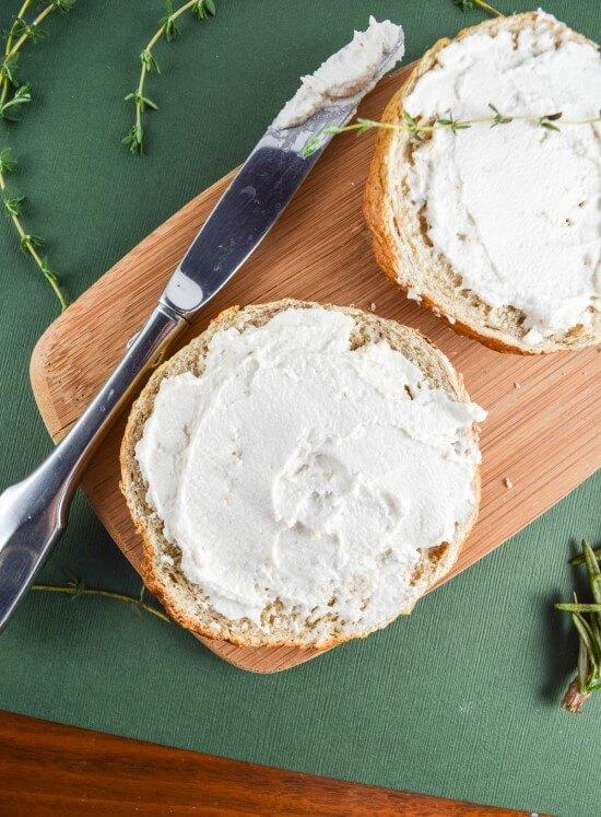 Simple Cultured Cashew Cream Cheese