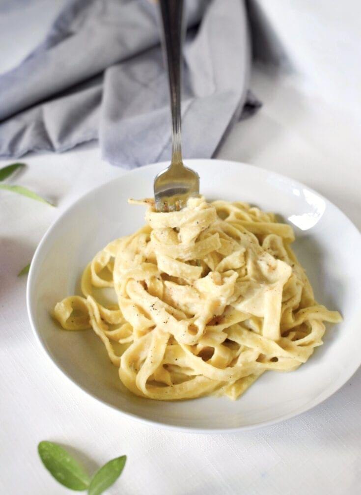 Cauliflower Alfredo Pasta (vegan, dairy-free)