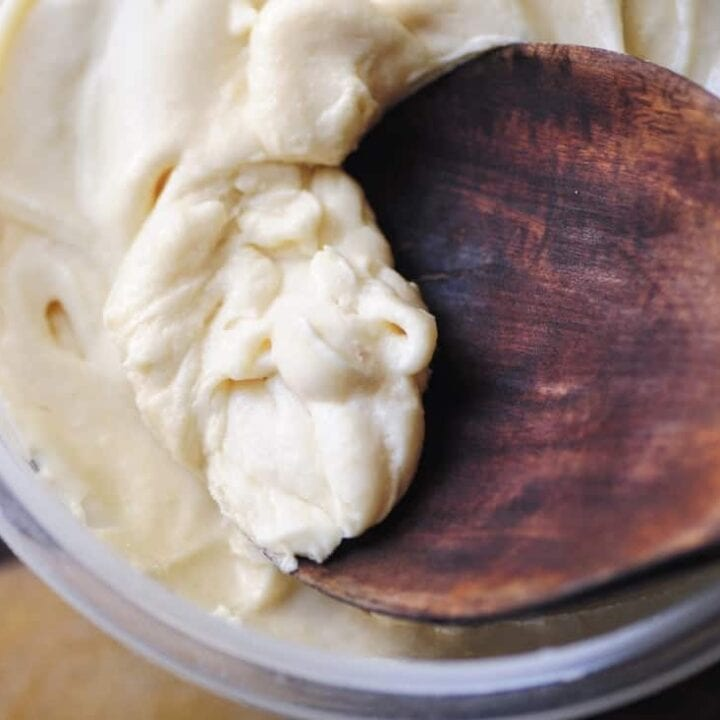 Maple Coconut Buttercream Frosting (Refined Sugar-Free, Gluten-Free, Vegan)
