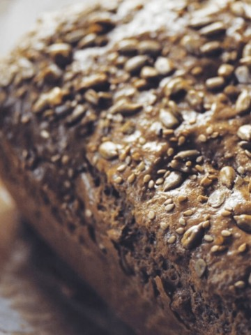 flourless keto bread with seeds