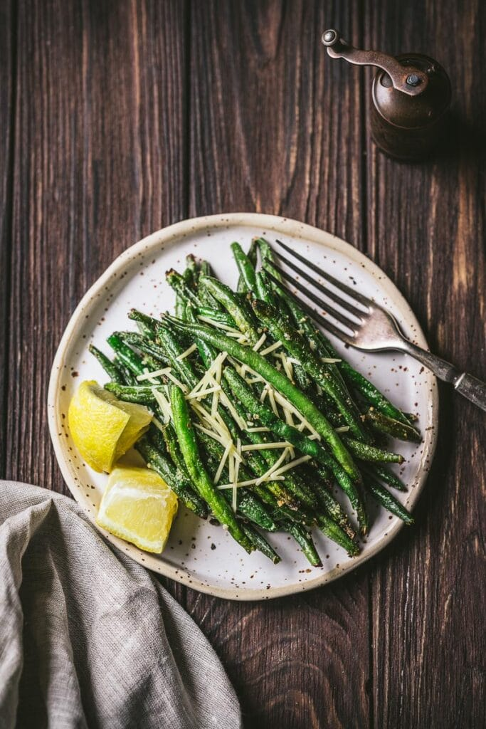 crispy french frozen air fryer green beans with lemon and parmesan